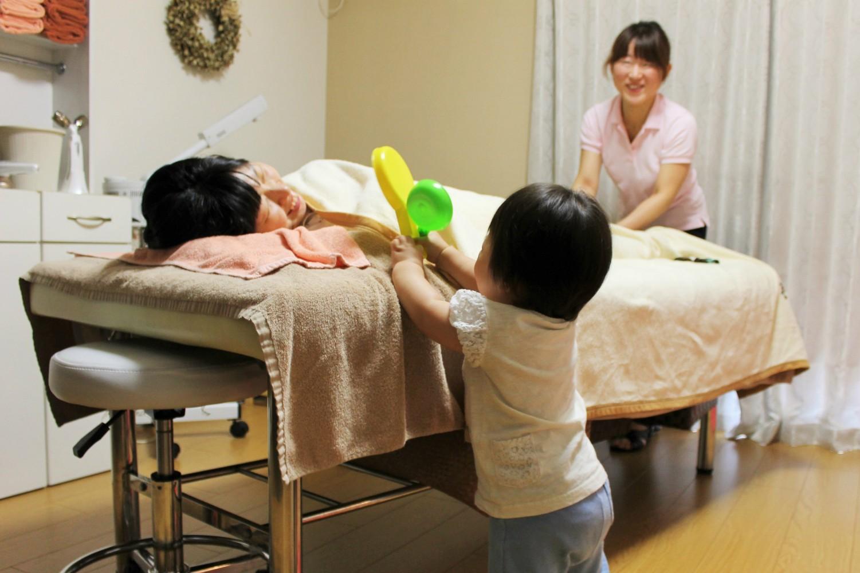 momo's Aroma room 京都のリンパマッサージ & 子連れで行けるアロマサロン-【お子様連れについて】施術室でも2階でお預かりでもどちらでもOK